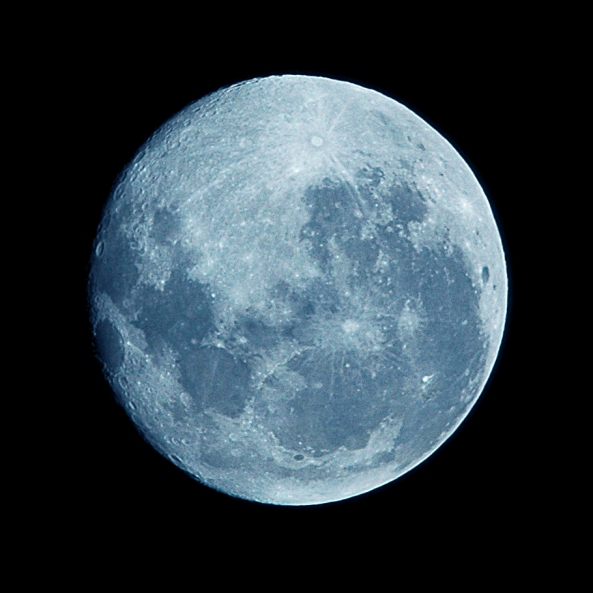 Blue_Moon_-_Hand-held